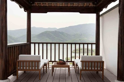 Lake View Villa - Balcony