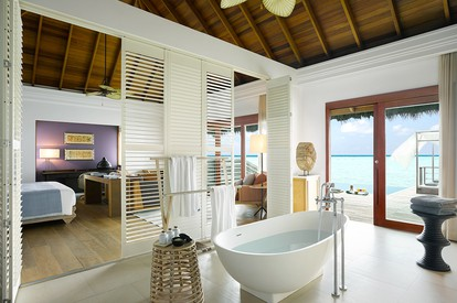 Ocean Villa With Pool - Bath