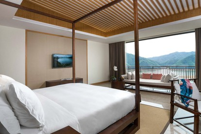 Lake View Villa - room