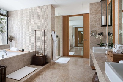 Lake View Villa - bathroom