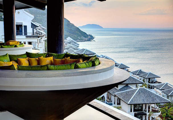 Citron Outside Dining with Panorama Ocean View