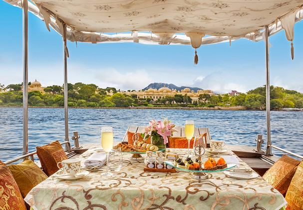 The Oberoi Udaivilas - Lunch on Lake Pichola