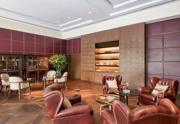 The Oberoi New Delhi - The Club Bar and Cigar Lounge